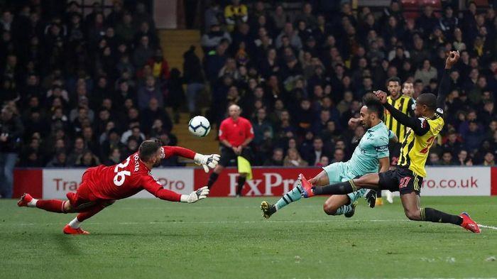 Arsenal berkat kesalahan aneh di spanyol membuatnya mengungguli Watford