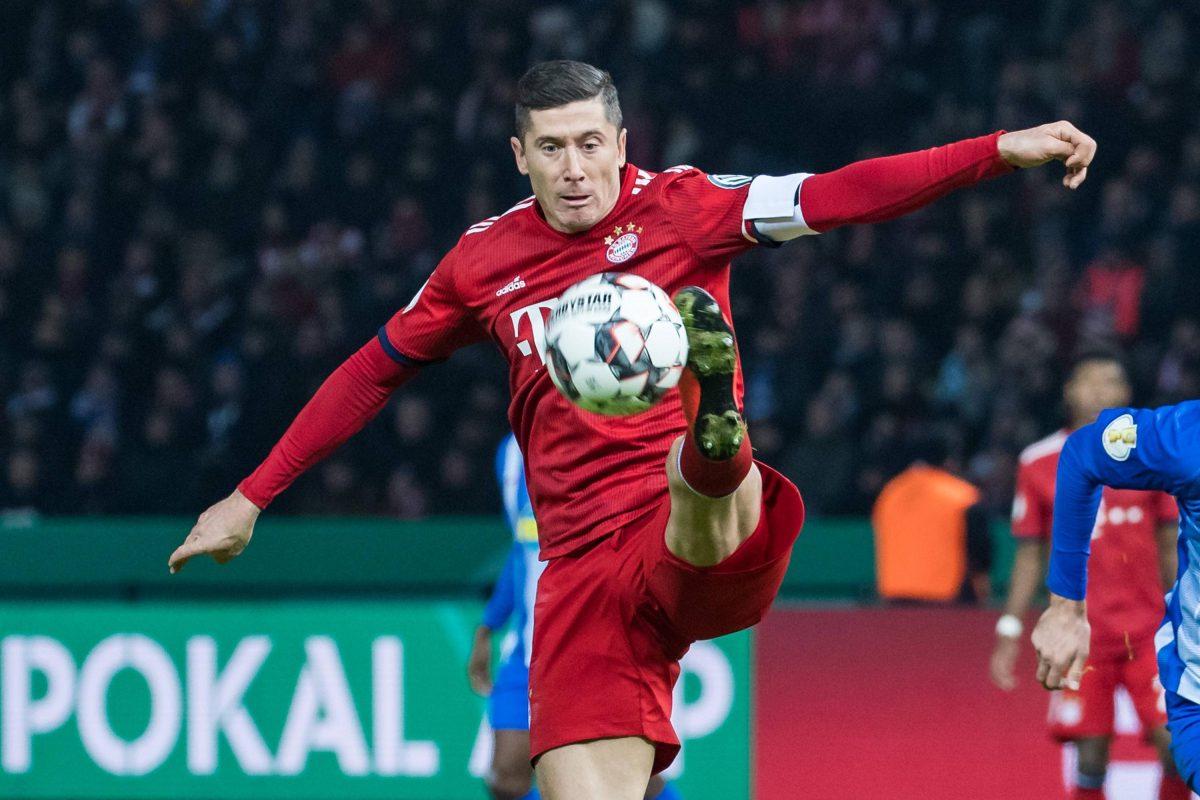 Club Papan Atas Mancheter United Dikabarkan Tertarik Untuk Bisa Mendapatkan Jasa Sang Pemain Robert Lewandowski